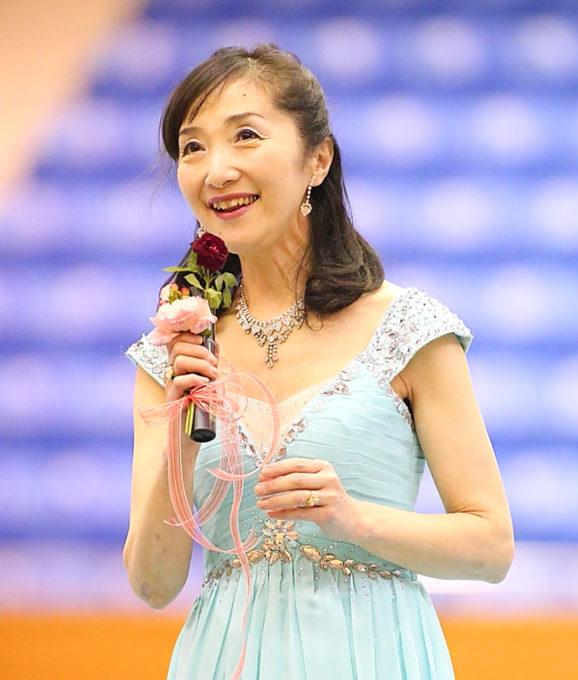 藤井直央の母はソプラノ歌手の泉民恵さん